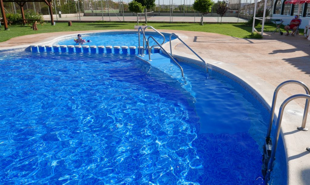 Piscinas en murcia excellent piscina privada en molina de for Piscina municipal alicante